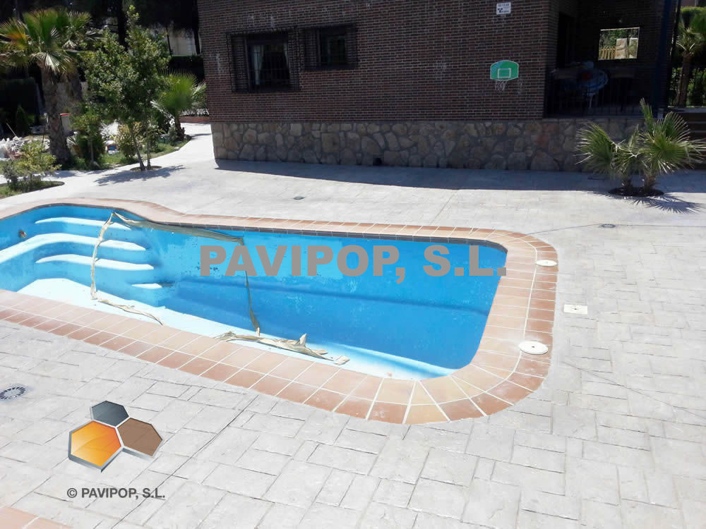 Fotos hormig n impreso imitaci n madera pavipop Suelos para alrededor de piscinas
